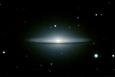 M104 ソンブレロ星雲(銀河系外星雲)